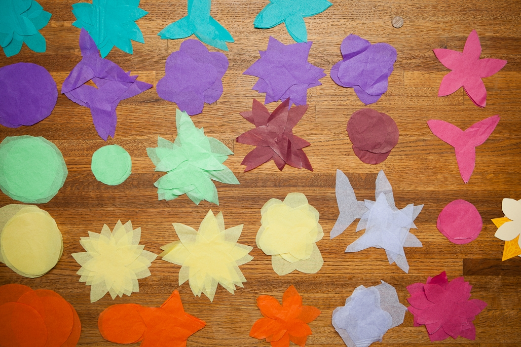 how to make paper tissue flowers